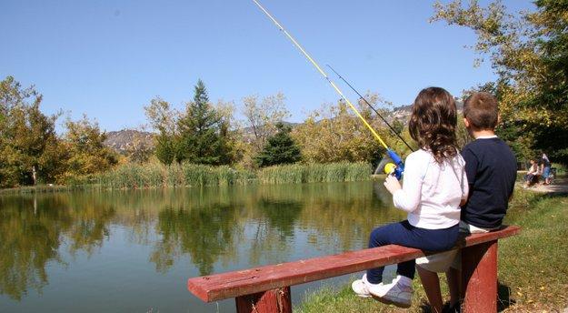 kidsfishing_DT_347988.jpg