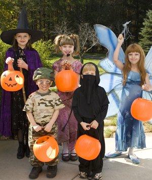 HalloweenCostumes_DT_15254712.jpg
