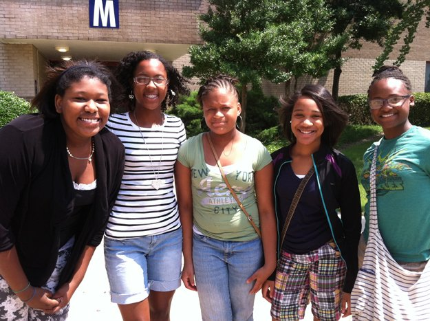 Smart and bold (l to r): Victoria Anderson, Machari Shaw, Dennisha Williams, Courtni Mullins, & Rea-Jean Davis.