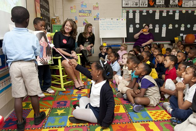First Lady Crissy Haslam participated in Inglewood Elementary School's Jumpstart Read for the Record Program
