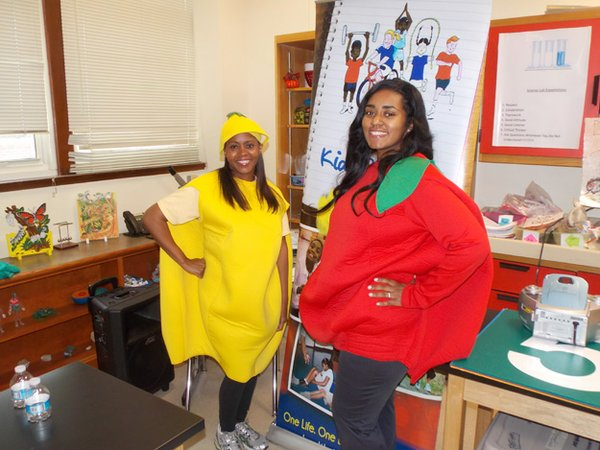Clintonia Simmons (left) does what it takes to get kids excited about eating right.