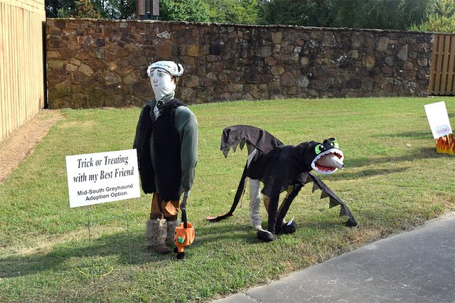 Register for Scarecrow Building Contest and Exhibit, Lichterman Nature Center