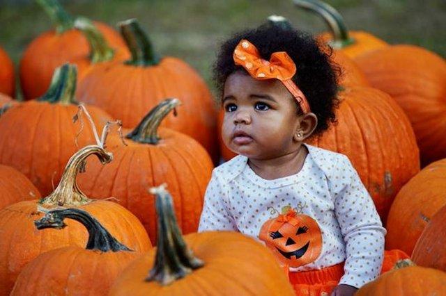 Memphis Parent Costume Contest